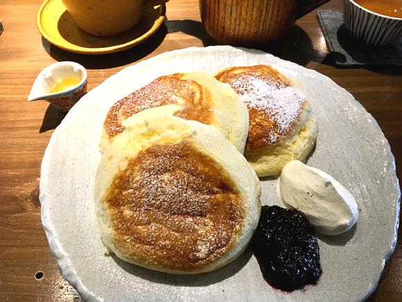 金沢の有機小麦を使った多聞のパンケーキ