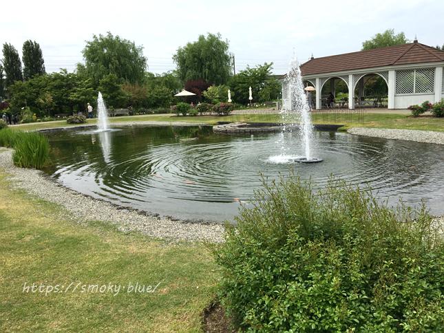 みつけイングリッシュガーデンの池