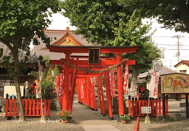 於菊稲荷神社の本殿正面