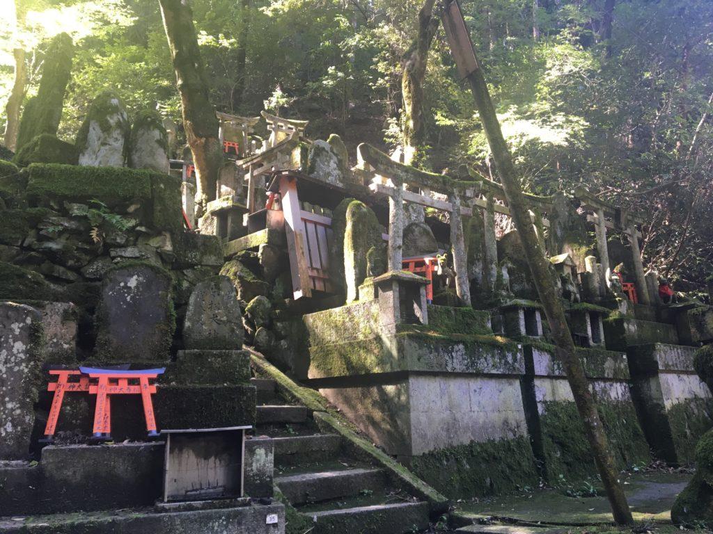 清滝社のお塚